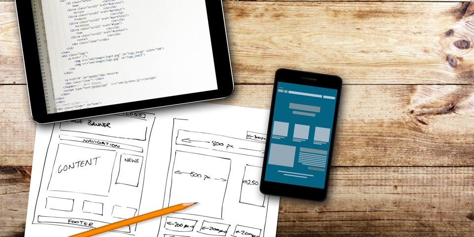 Výhody a nevýhody outsourcingu vývoje mobilní aplikace